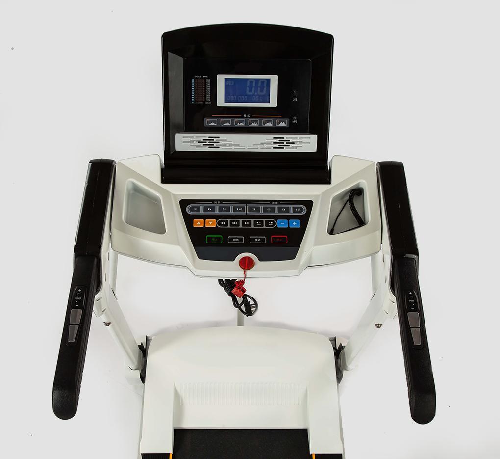 Bảng điều khiển thông minh hỗ trợ đa dạng chức năng trên Máy tập chạy bộ TMP-889