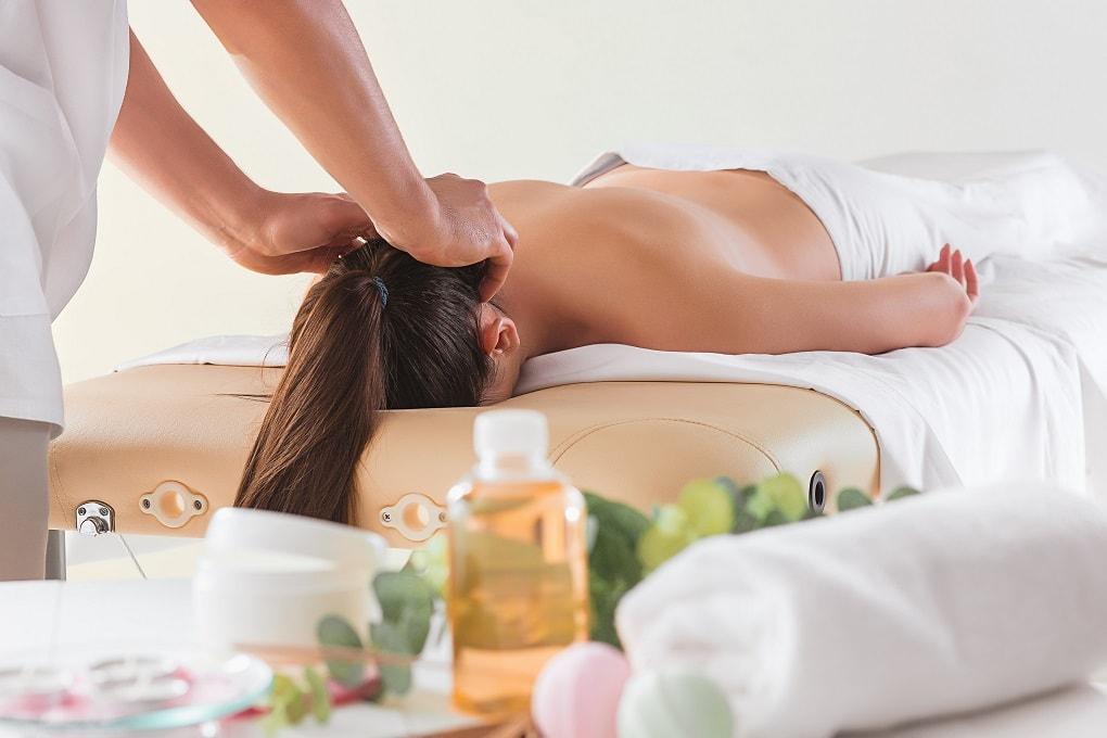 massage-bam-huyet-it-ai-biet-min
